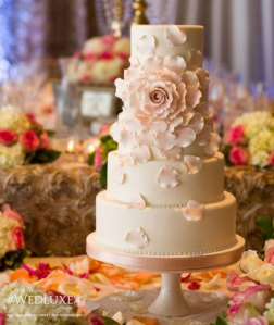 Luxury-Glamorous-wedding-cake